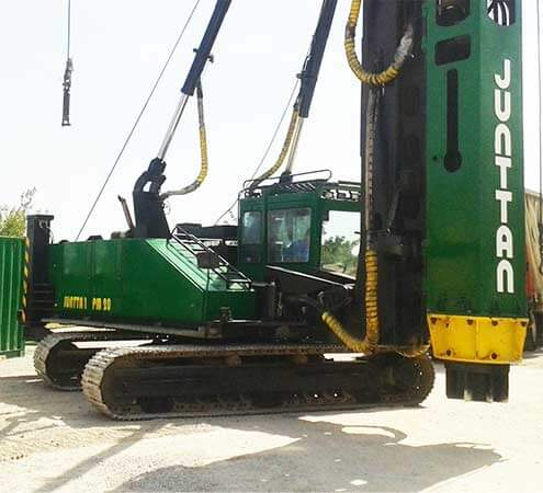 Image of the Junttan PM20 pile driving crane